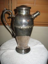 Silver plated coffee/tea pitcher in Joliet, Illinois