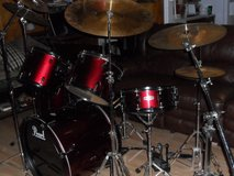 5 PC Pearl Drum Set w/ ZildjianHighHat & Cymbals in Cleveland, Texas