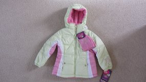 NEW girls winter jacket sz 5/6 in Joliet, Illinois