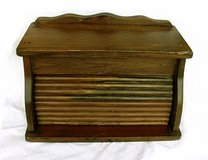 VINTAGE WOOD BREAD BOX Roll Lid in Glendale Heights, Illinois