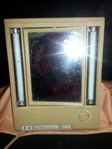 Vintage Clairol True to Light Lighted Makeup Mirror LM7 (T=16) in Clarksville, Tennessee
