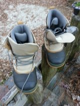 ** Burton Boss Boots sz8 ** in Camp Lejeune, North Carolina