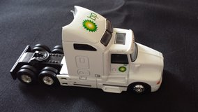 REALTOY BP Amoco Fuels 1:64 Die Cast Semi Truck (No Trailer) in Yorkville, Illinois