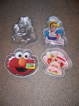 Cinderella & Strawberry Shortcake Wilton Cake Pans in Palatine, Illinois