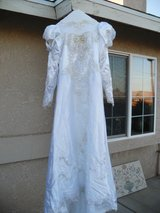 $$$   Wedding Dress   $$$ in Yucca Valley, California