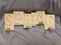 NWT Wood Spring Plaque Wall Hanger 12x5 Ready to Paint in Houston, Texas