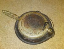 Wagner Ware Sidney Ohio Cast Iron #1408 Waffle Maker Pat'n 1925 with Low base in Camp Lejeune, North Carolina