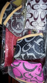 cute mini purses/change purse in Yucca Valley, California