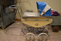Vintage Baby Carriage in Joliet, Illinois