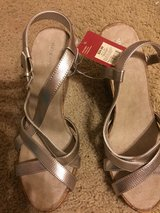 Sz 11 - SANDALS w/ Heels, NEW in Baytown, Texas