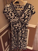 (Sz Large) DRESS, Black & off white in Baytown, Texas