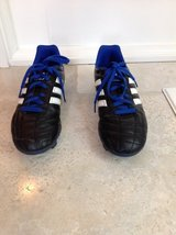Boys Adidas Outdoor Soccer Shoes / Cleats Size 5.5 (Black & Blue) in Bolingbrook, Illinois