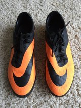 Nike Hypervenom Soccer Cleats-Size 7 in Naperville, Illinois