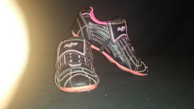 WOMENS GIRLS RAWLINGS BLACK/PINK SOCCER SOFTBALL CLEATS SHOES (T=30) in Fort Campbell, Kentucky