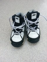 Toddler Nike High Tops, size 9 in Bolingbrook, Illinois