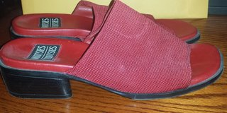 """Womens Casual Summer Slides By """"Mootsie Tootsie"""" - Size 10M in Houston, Texas"""