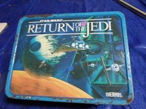 1977 Star Wars lunch box filled with vintage items in Spring, Texas