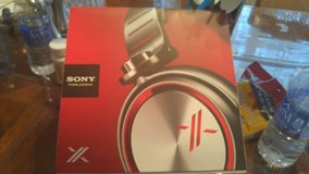 GENUINE SONY X RED HEADPHONES in Alamogordo, New Mexico