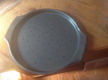 Wilton Pizza / Angel Cake Pan in Fort Campbell, Kentucky