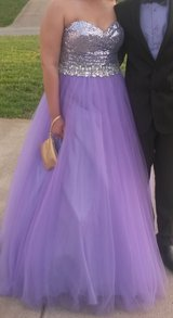 Beautiful Lavender Prom Dress in Fort Campbell, Kentucky