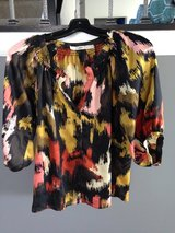 Gibson blouse size M in Naperville, Illinois