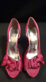 "David's Bridal Michael Angelo ""MARIBELLE"" Hot Pink 4""Heels SIZE:7.5M (T=42) in Fort Campbell, Kentucky"