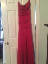Red strapless gown size L in Camp Lejeune, North Carolina