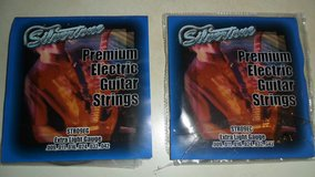 silvertone electric guitar stings in Fort Campbell, Kentucky