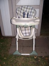 DoubleTray Saratoga highchair from Graco in Elgin, Illinois