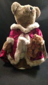 Sasha & Nicholas Holiday Collectible Bears in Fort Campbell, Kentucky