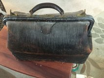 Vintage/collectible genuine cowhide Doctor/physician bag in Joliet, Illinois