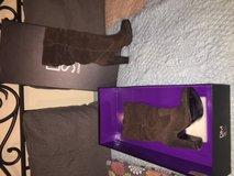 Donald J Pliner Vanessa Taupe Suede Model M075  Worn 2 times in Houston, Texas
