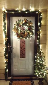 Christmas Tree & wreath (home decor) in Fort Hood, Texas
