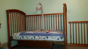 Convertible Crib / Toddler Bed / Daybed in Bolingbrook, Illinois