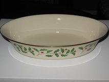 Lenox Holiday oval serving vegetable bowl. in St. Charles, Illinois