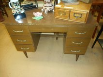 Vintage Mid Century Modern Wood Grain Formica Small Desk in Westmont, Illinois