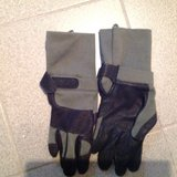 Aviator gloves in Ramstein, Germany
