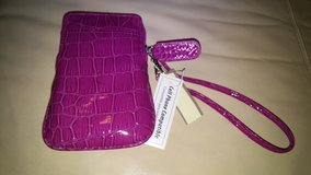 phone wristlet in The Woodlands, Texas
