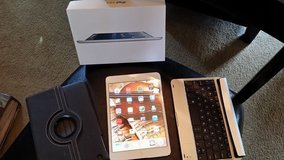 Original Collectable IPad Mini - White - WIFI - 64GB with Box PLUS 2 cases!!!! in Kingwood, Texas