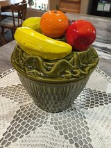 Vintage Cookie Jar-Fruit Basket Style in Clarksville, Tennessee