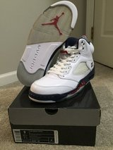 Jordan 5 Independence Days size 9 in Lockport, Illinois