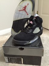 Jordan 5 black metallic size 9.5 in Lockport, Illinois