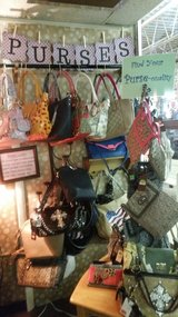 Purses-New in Fort Campbell, Kentucky
