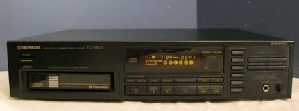 CD Player Pioneer 6 disk in Westmont, Illinois