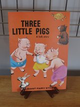 Three Lillte Pigs~A Giant Fairy Story in Yorkville, Illinois