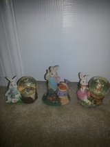Easter bunny water globes/figurines in Camp Lejeune, North Carolina