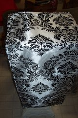 Flocking Damask Table Runners in Kingwood, Texas