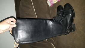 Ariat tall boots in Camp Pendleton, California