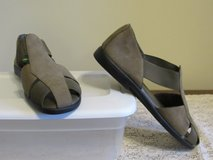 Women's Size 8 Suede Shoe~Reduced in Yorkville, Illinois