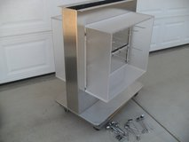 ***  Stainless Display  *** in Yucca Valley, California